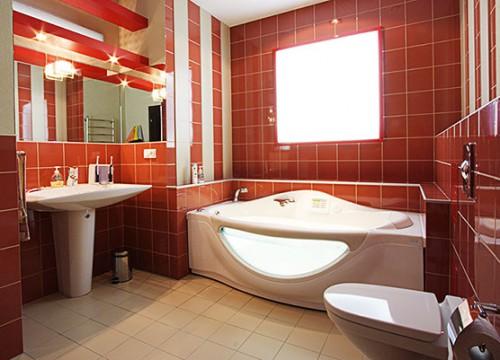 Облицовка стен ванной комнаты плиткой
