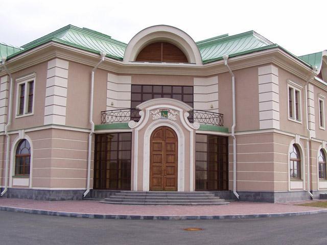Белая матовая акриловая фасадная краска («Руслюкс», Россия)