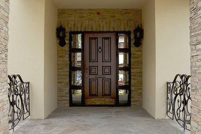 Металлические входные двери (Россия)