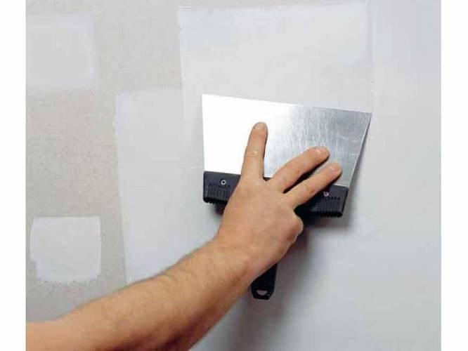 Шпаклевание стен и потолка под покраску: особенности, рекомендации