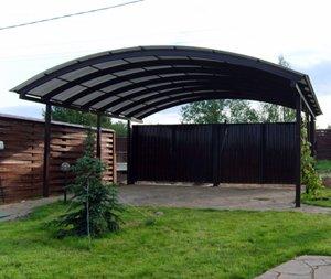 Комфортная площадка в загородном доме для автомобиля: советы по обустройству