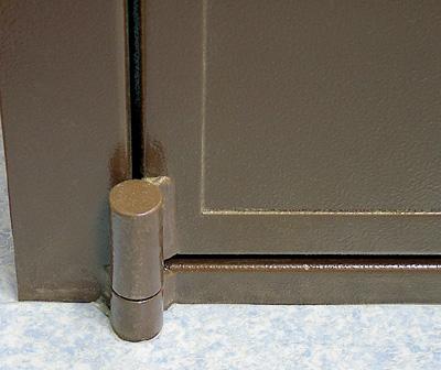 Особенности конструкции стальных дверей