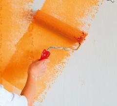 Как правильно покрасить стены в спальне
