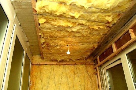 Устанавливаем звукоизоляцию на потолок