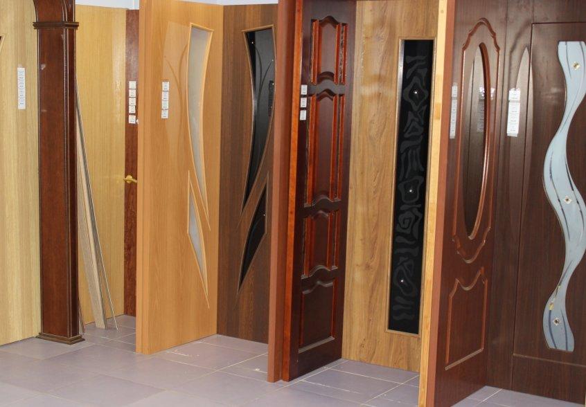 Двери межкомнатные: выбор, материал