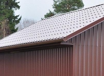 Профнастил – универсальный материал для крыши и стен