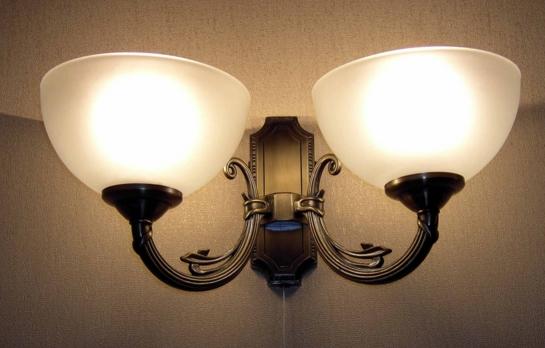 Почему нужно выбрать именно настенный светильник