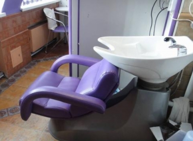 Как выбрать кресло-мойку для парикмахерской?