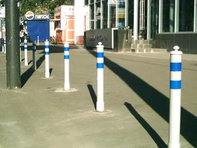 Установка парковочных столбиков