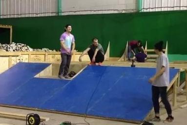 Как строится скейтпарк?