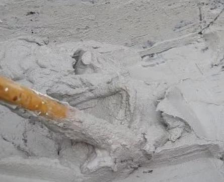 Внутренняя отделка стен штукатуркой на основе цемента и песка