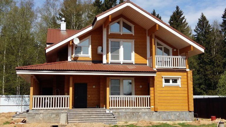 Прокладка и замена проводки в деревянном доме на этапе строительства