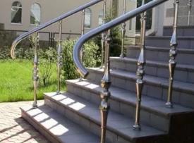Что нужно знать, при выборе перил для лестницы