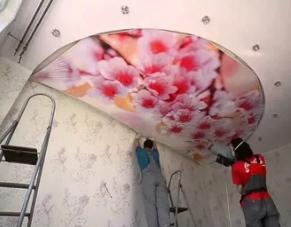 Как делается натяжной потолок с фотопечатью
