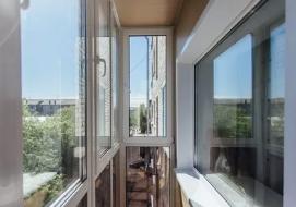 Почему остекление балкона лучше доверить профессионалам
