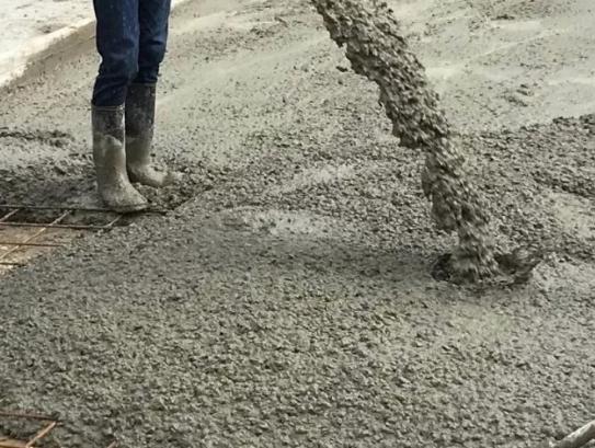 Почему бетон лучше заказывать у профессионалов