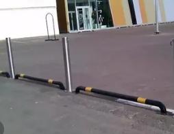 Для чего нужны столбики ограждения парковок